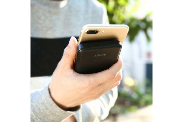 モバイルバッテリー「AUKEY PB-N50」