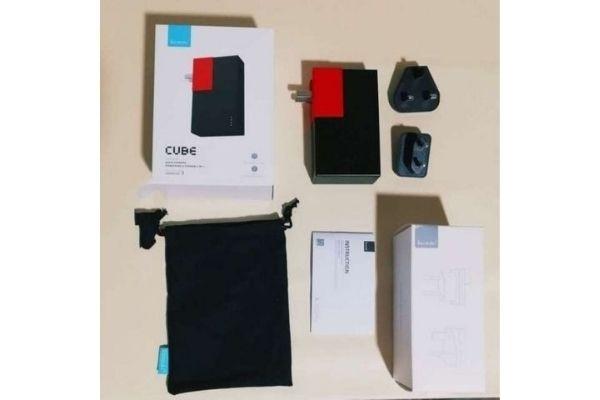ACプラグ搭載の2in1急速充電モバイルバッテリー「CUBE」 概要