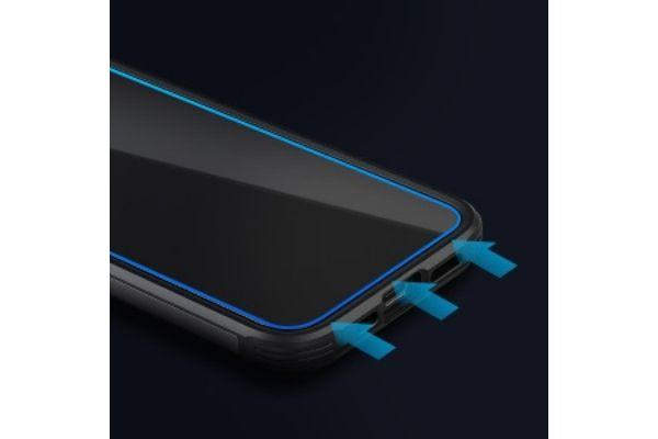 SpigenのiPhone12シリーズ用のガラスフィルム【Align Master】ケースと干渉せず